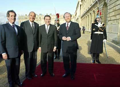 Vor der historischen Kulisse des Schlosses von Versailles hielten die Staatschefs ihre Reden