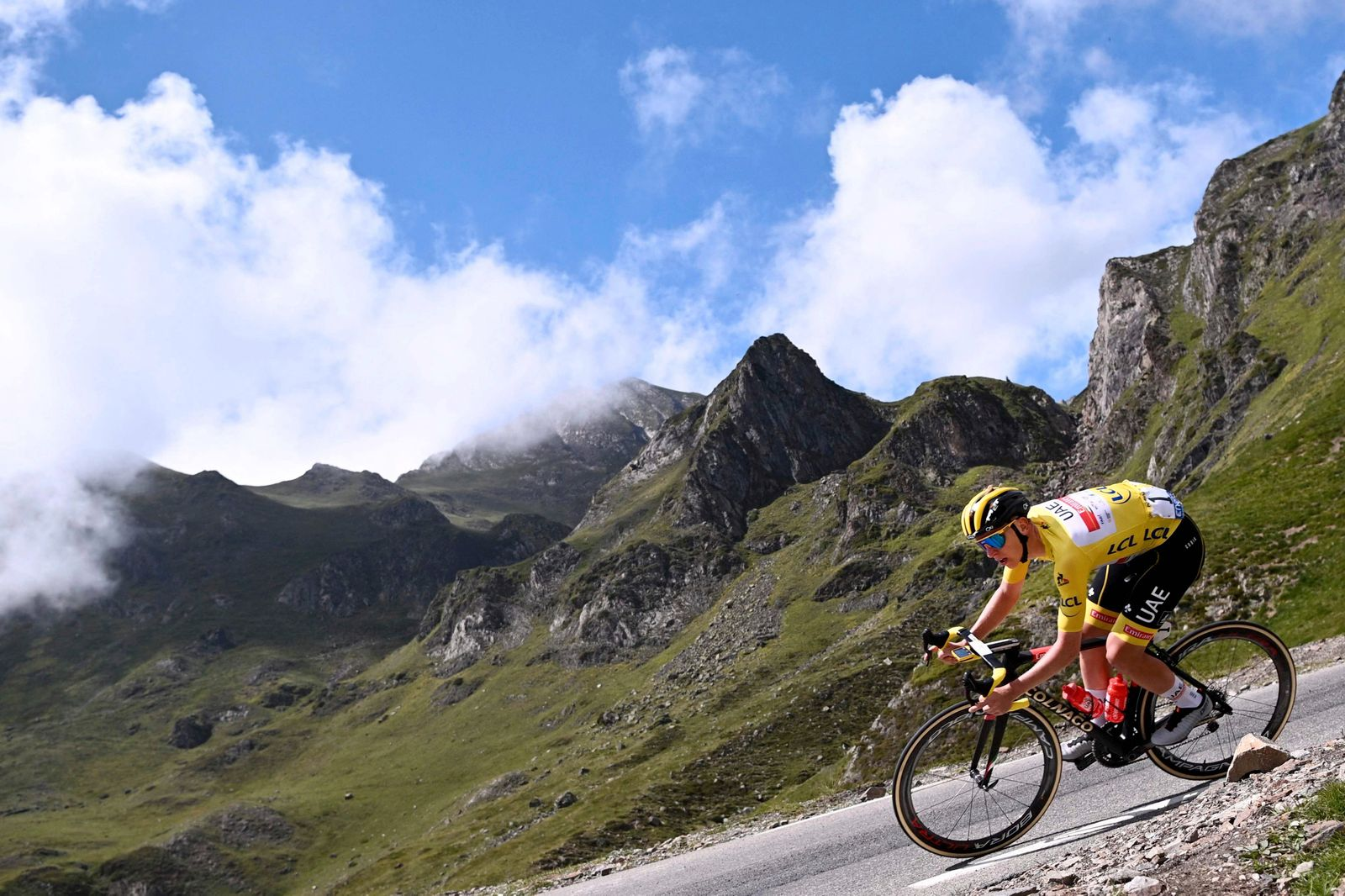 CYCLING-FRA-TDF2021-STAGE18