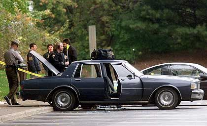 Das Auto der beiden war so umgebaut, dass aus dem Kofferraum geschossen werden konnte