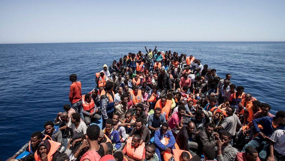 """Flüchtlinge vor der Küste Libyens: """"Schutz zu gewähren ist nicht verhandelbar"""""""