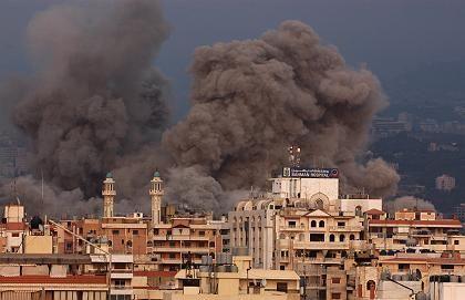 Brandwolken nahe am Krankenhaus Bahman in Süd-Beirut: Stromversorgung für Stunden unterbrochen