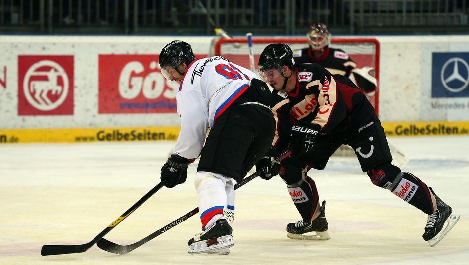 Eishockey-Profi Daschner (r.): 59 Strafminuten in einem Spiel
