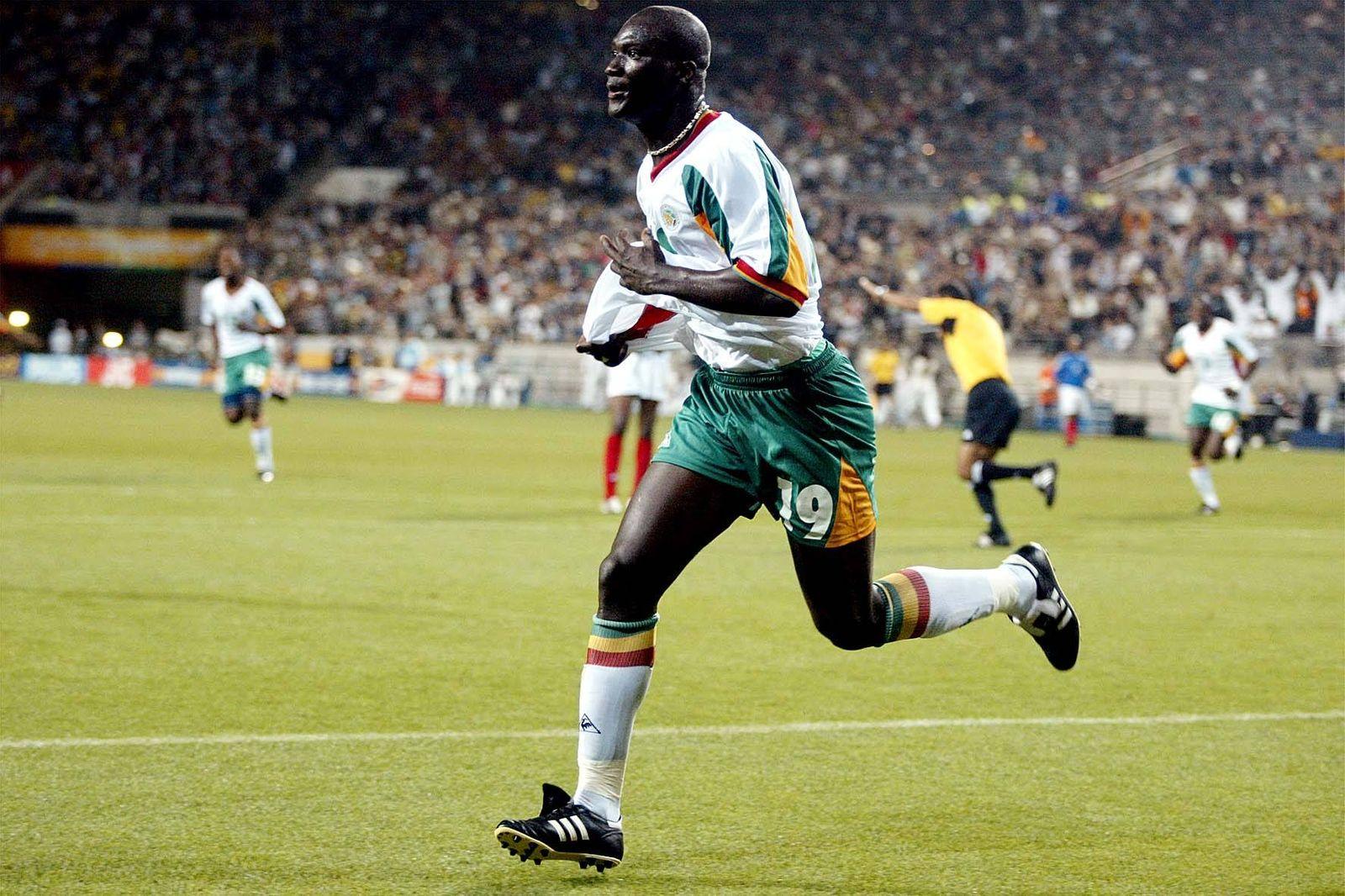 EINMALIGE VERWENDUNG Papa Bouba Diop