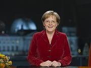 Bundeskanzlerin Angela Merkel im Glück (Abb. ähnlich)