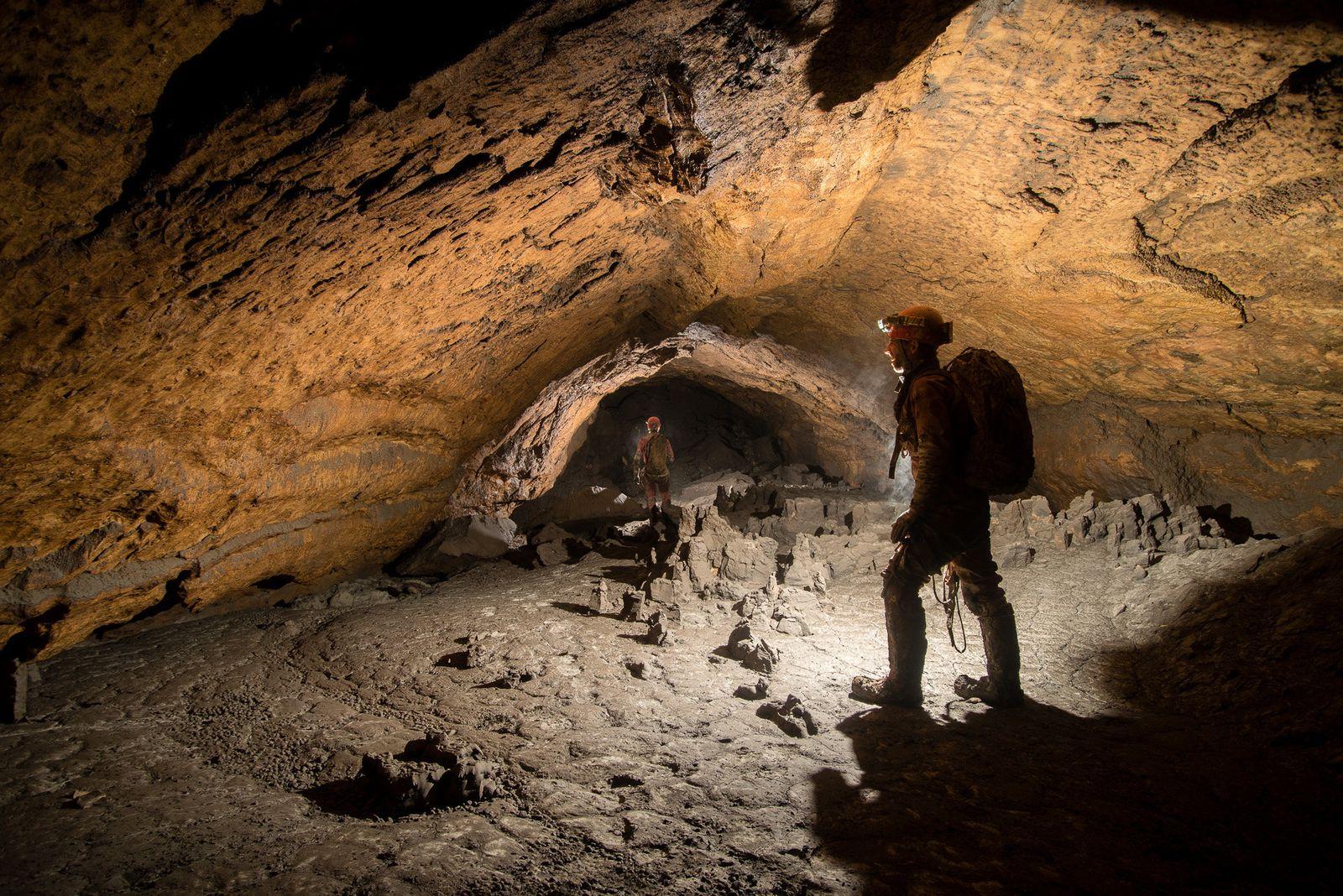 EINMALIGE VERWENDUNG Hirlatzhöhle/ Österreich