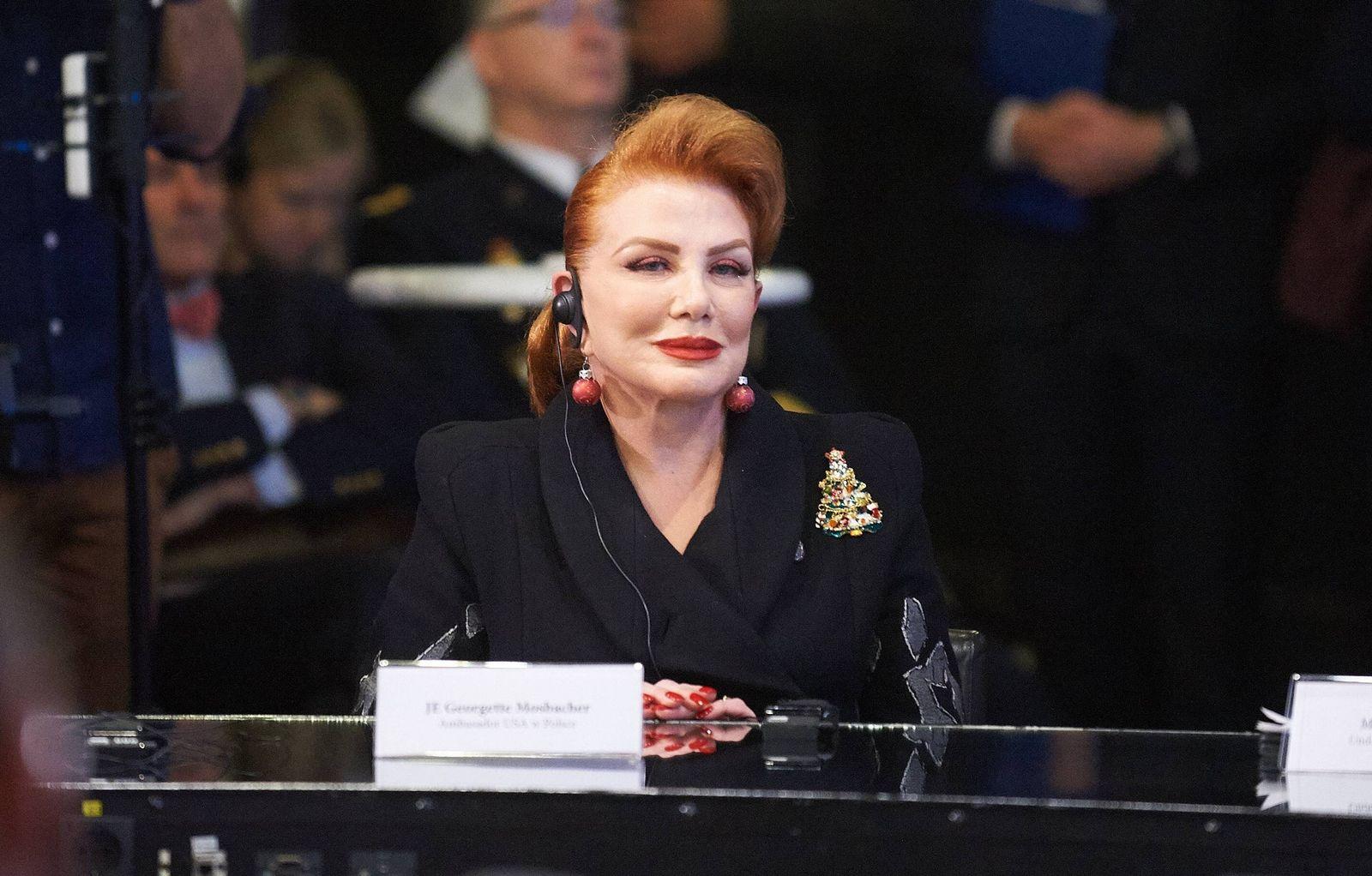 EINMALIGE VERWENDUNG Georgette Mosbacher