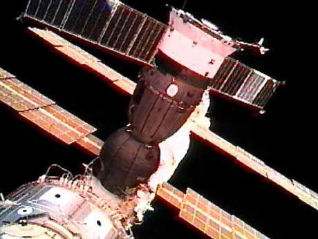 Raumstation ISS mit angedockter Sjus-Kapsel: Der Traum vom Weltall