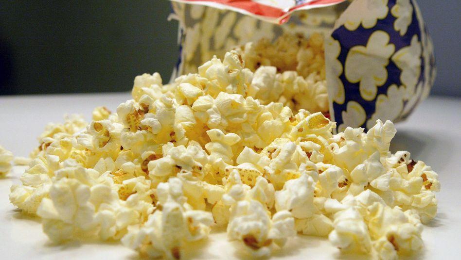 Tüte Mikrowellen-Popcorn: In zu hohen Mengen kann das Butteraroma gesundheitsschädlich sein