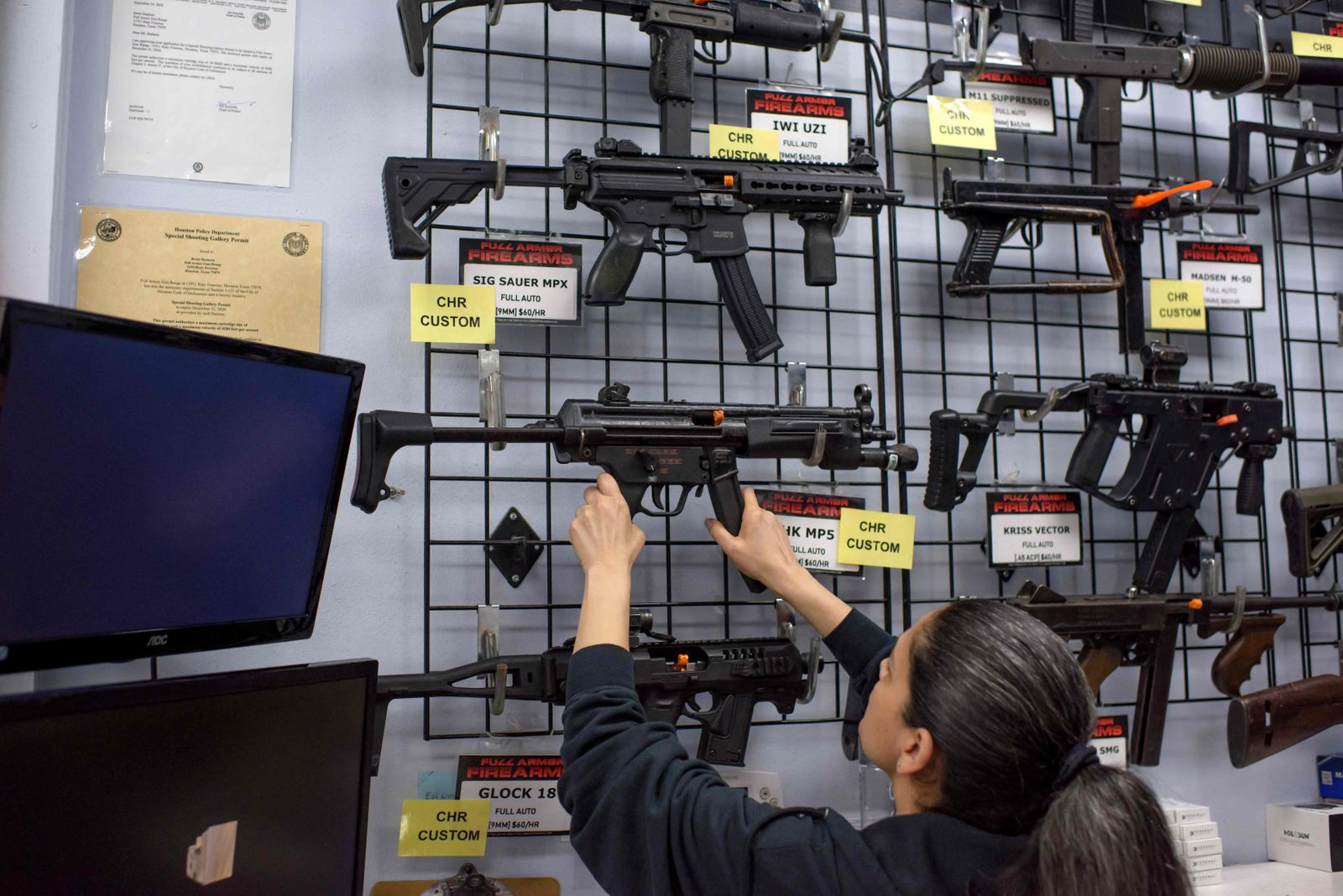 Law allowing Texans to carry firearms in public without a permit takes effect