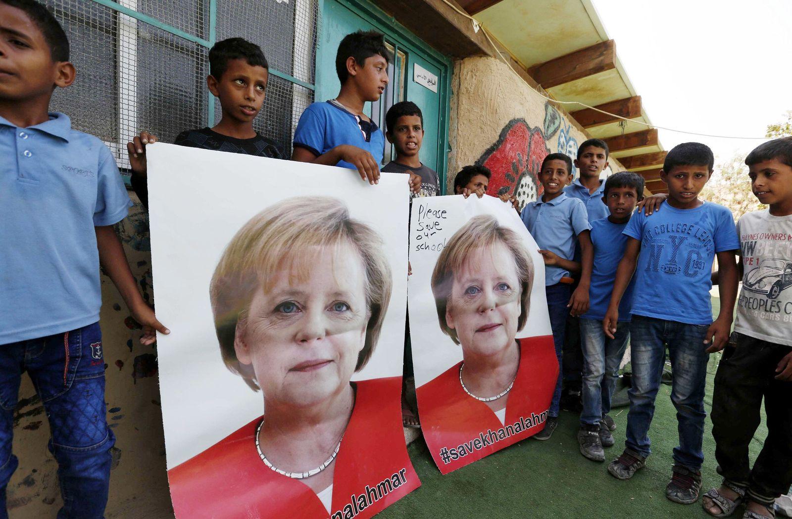 Palästinensische Kinder bitten Merkel um Hilfe