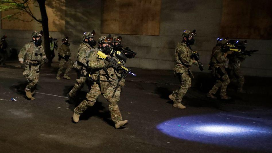 Bundespolizisten in Portland im Einsatz