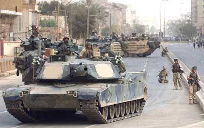 Wie hier in Bagdad dringen die US-Truppen nun auch in die Stadt Tikrit vor