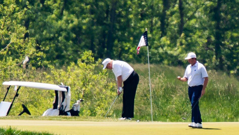 "US-Präsident Trump im ""Trump National Golf Club"" in Virginia"