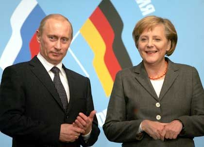 """Präsident Putin, Kanzlerin Merkel: """"Es ist gut, dass wir mit Russland sprechen können"""""""