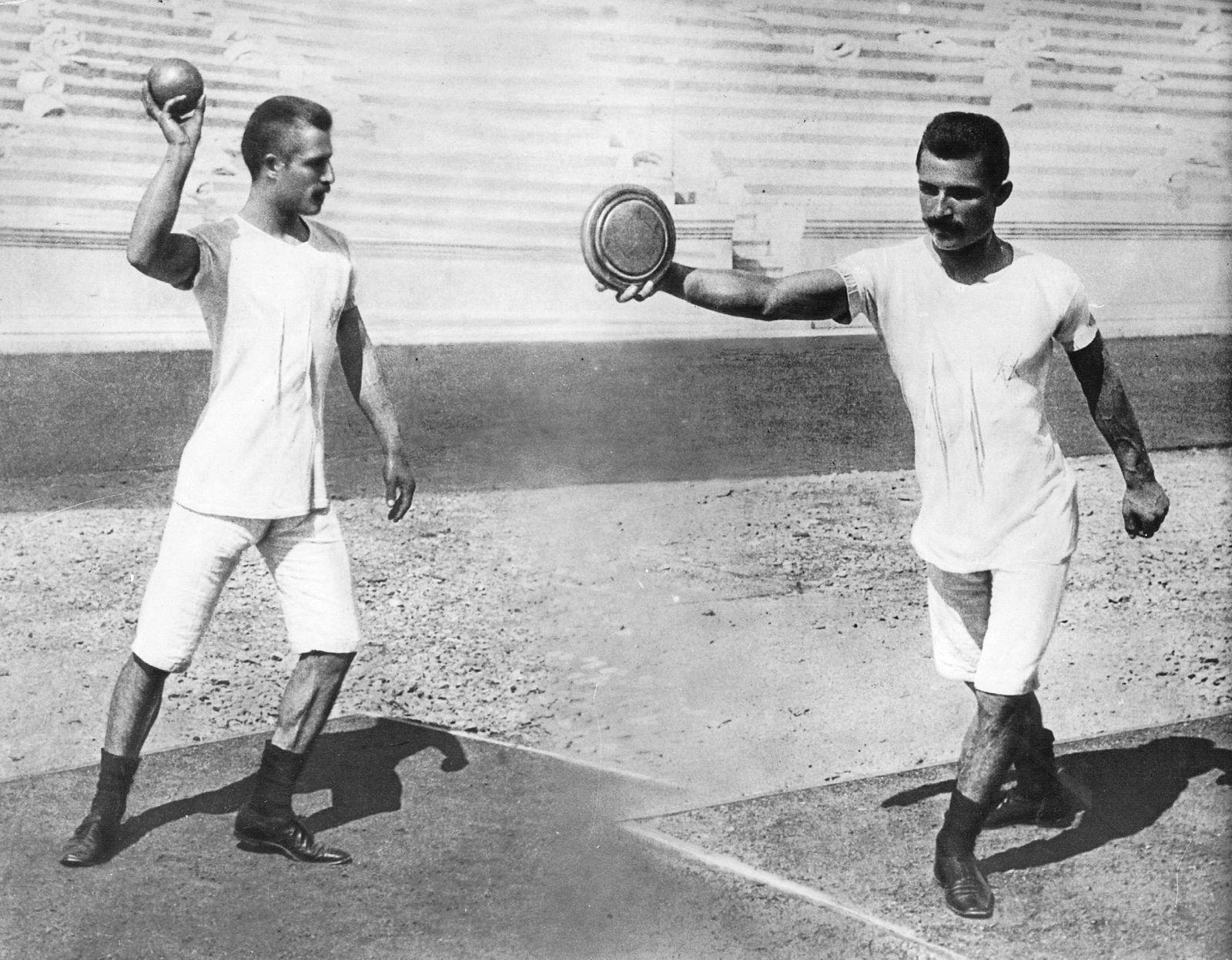Kugelsto?er und Diskuswerfer bei den Olympischen Spielen in Athen, 1896
