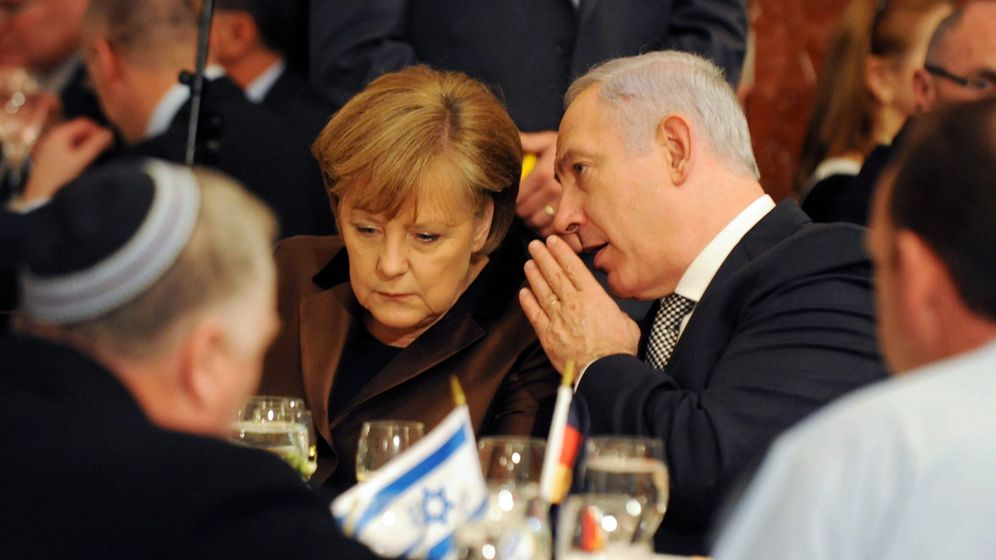 Photo Gallery: Germany Supplies Israel with Nuclear-Capable Subs