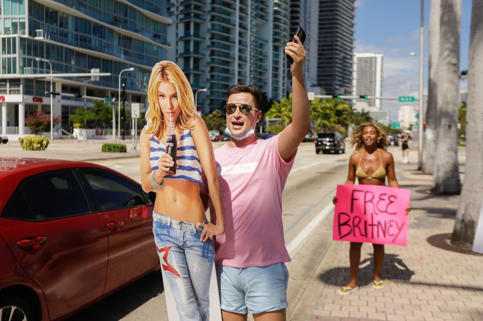 #FreeBritney Miami Rally