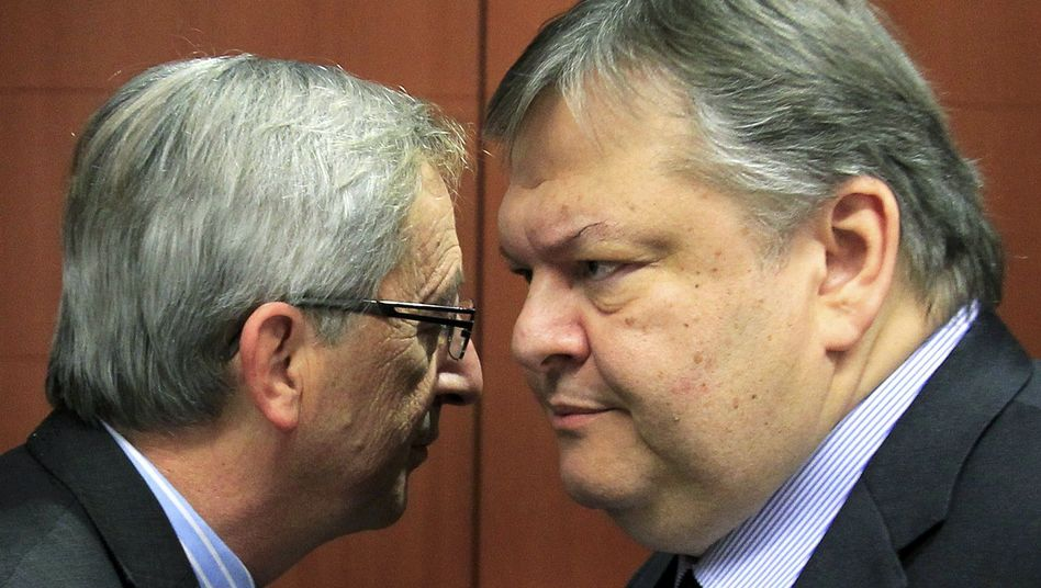Euro Group chief Jean-Claude Juncker together with Greek Finance Minister Evangelos Venizelos in Brussels on Thursday.
