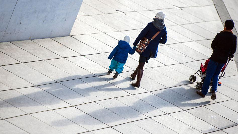 Familie in Berlin: Verstößt das Betreuungsgeld gegen die Verfassung?