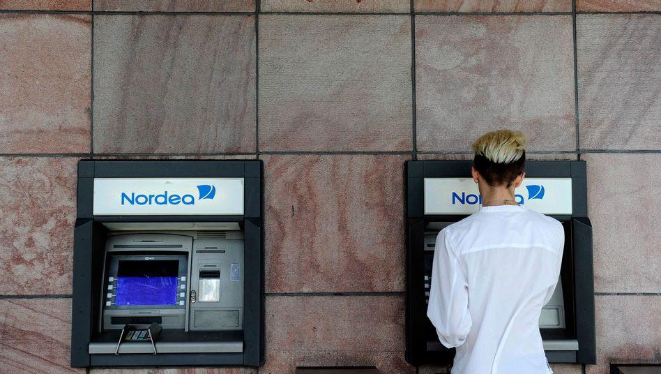 Geldautomat in Stockholm: Wer in Euro abrechnen will, zahlt meist drauf