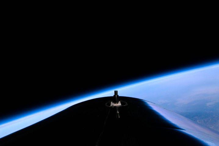 Jungfernflug der »Virgin Galactic« des Multimillionärs Richard Branson: ziviler und militärischer Wettkampf