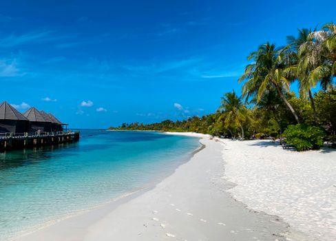 Strand einer Malediveninsel (Symbolbild)
