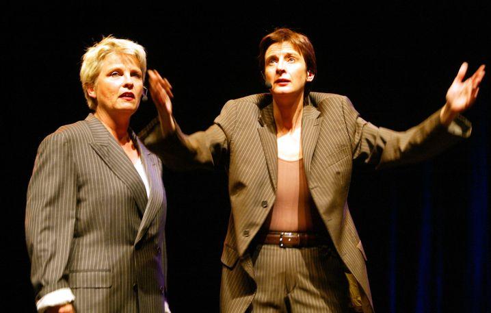"""Gerburg Jahnke und Stefanie Überall als Kabarett-Duo """"Missfits"""" im Jahr 2004: Abschiedstour nach 20 Jahren auf der Bühne"""