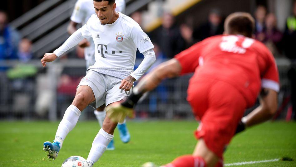 Philippe Coutinho brillierte bei Bayern Münchens 3:2-Erfolg gegen den SC Paderborn. Hier erzielt er den Treffer zum zwischenzeitlichen 2:0.