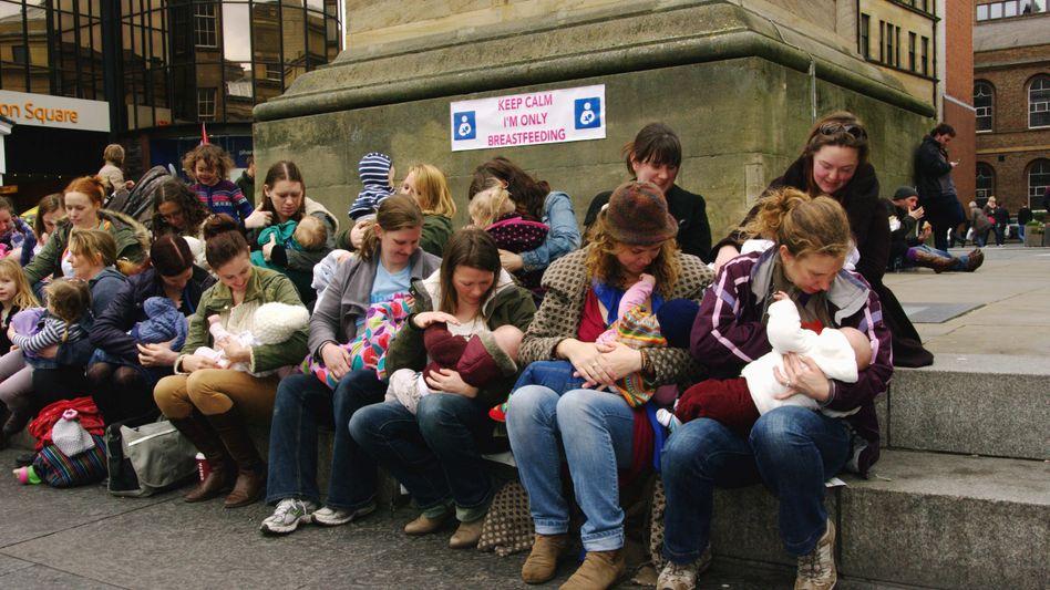 Demo stillender Mütter in Newcastle (Archiv)