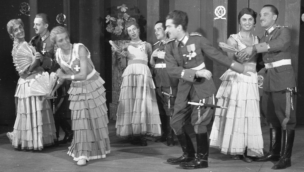 Weltkriegs-Fotofund: Was für ein Theater