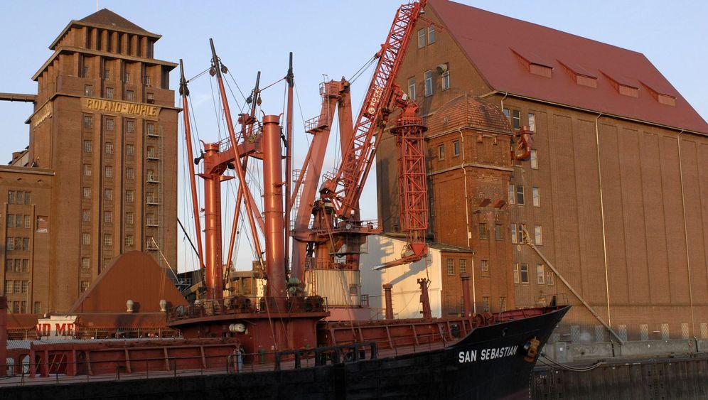 Überseestadt von Bremen: Rushhour unter Rotklinker