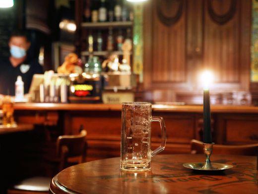 Ausgetrunken: Ab 23 Uhr bleiben Berliner Bars ab dem Wochenende geschlossen