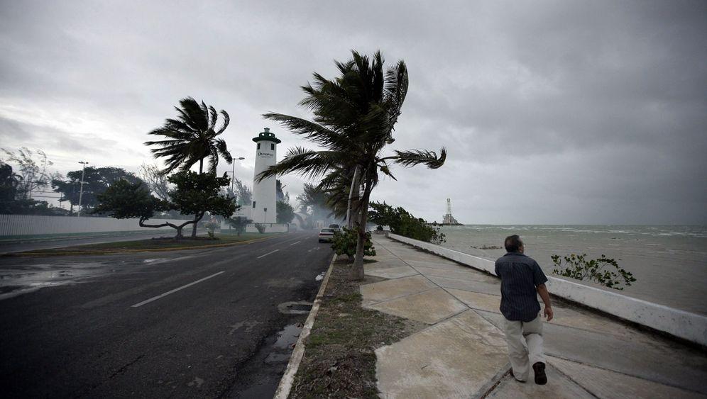 """Wirbelsturm """"Alex"""": Öl-Retter im Golf vorerst außer Gefahr"""