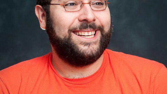 Botmeister Darius Kazemi: Kunstwerk-Generator auf Twitter