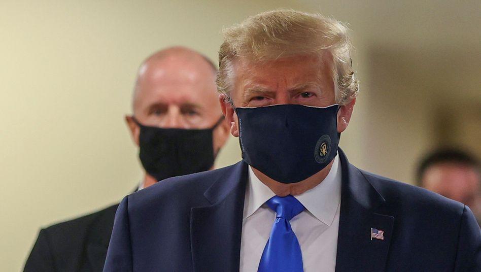 Trump mit Maske: