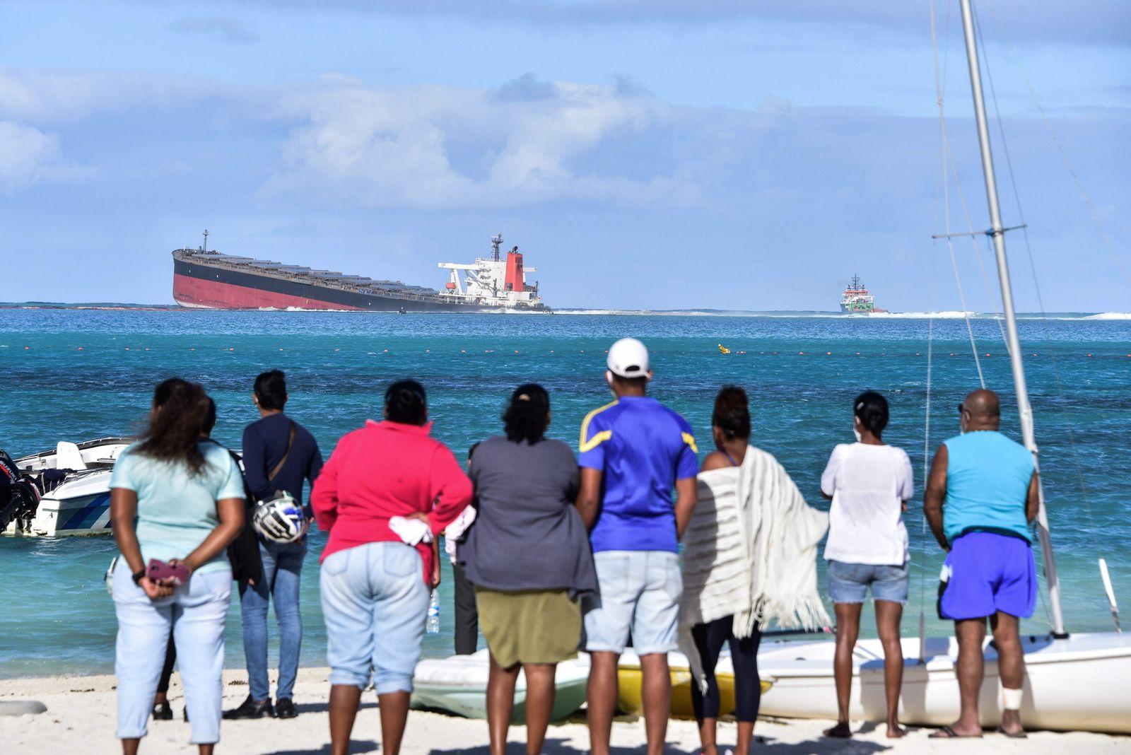 CORRECTION-MAURITIUS-ENVIRONMENT-POLLUTION-SHIPPING