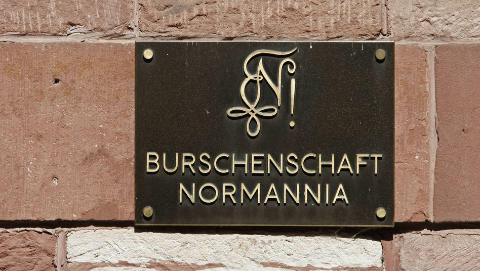 """Schild der Burschenschaft """"Normannia"""" in Heidelberg (Symbolbild)"""