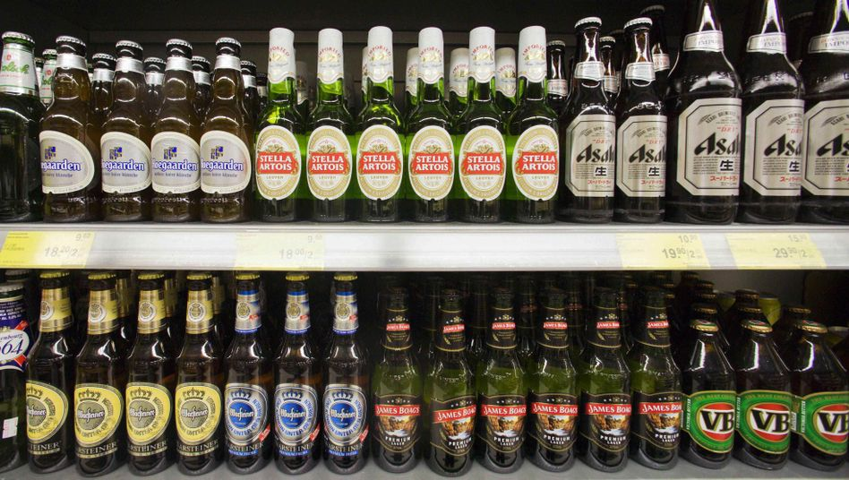 Bierregal in einem Hongkonger Supermarkt: Dominiert von wenigen Konzernen