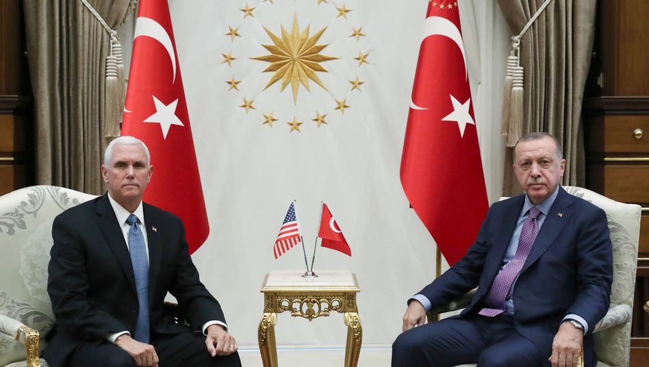 Mike Pence und Recep Tayyip Erdogan: Zunächst war unklar, ob das Gespräch überhaupt stattfindet