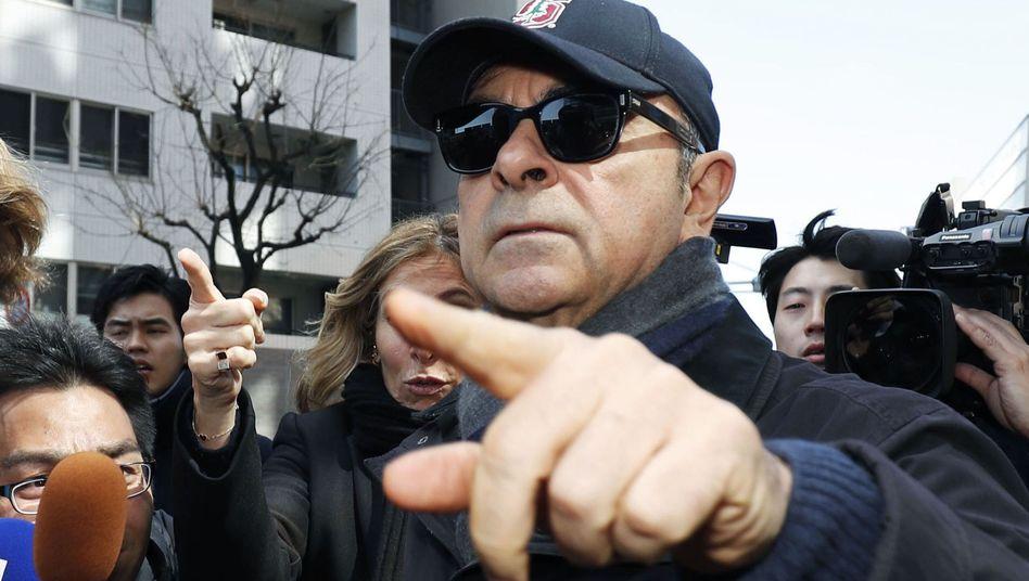 Carlos Ghosn nach seiner Freilassung auf Kaution (Archivbild)