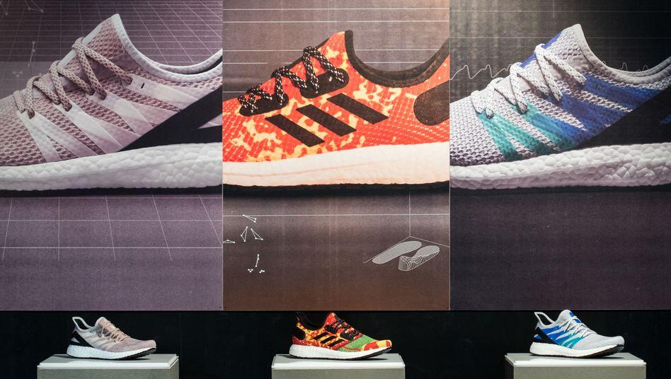 Sportschuhe von Adidas: Erhöhung in zwei Stufen