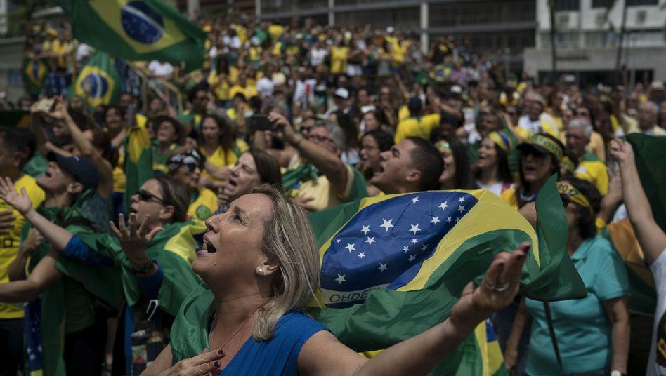 Bolsonaro-Anhänger bei einer Wahlkampfveranstaltung in Rio de Janeiro