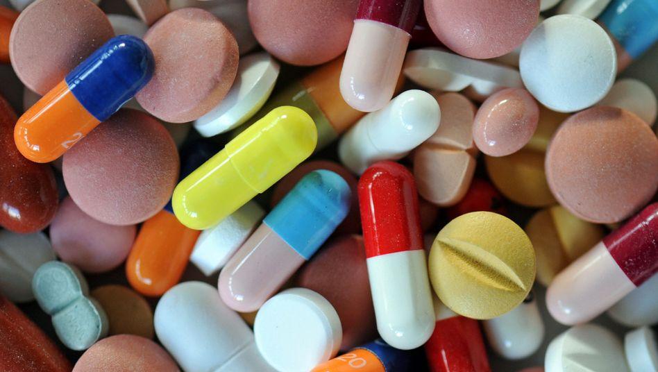 Pillen: Nahrungsergänzungsmittel aus dem Internet können gefährlich sein