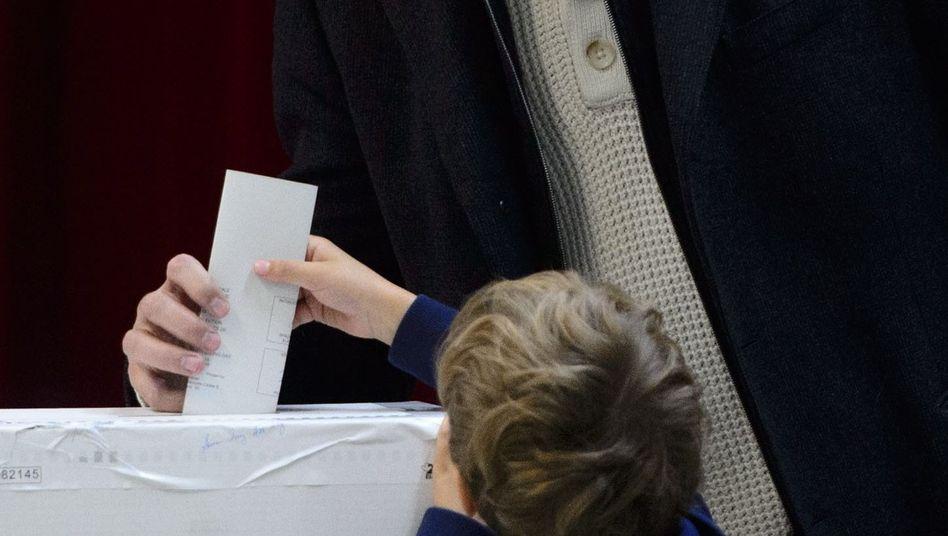 Justin Trudeau bei seiner Stimmabgabe: Wahl gewonnen - absolute Mehrheit wohl verloren