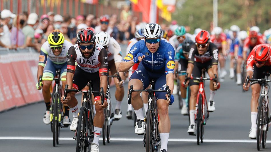Fabio Jakobsen überquert im belgischen Zolder als Erster die Ziellinie