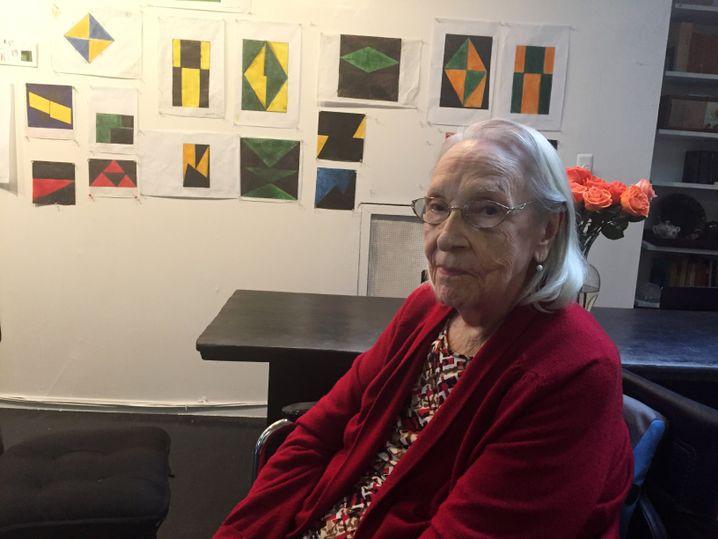 Carmen Herrera, hier im Alter von 101, in ihrem Studio in New York