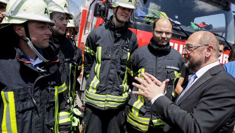 Schulz bei der Feuerwehr in Kösching