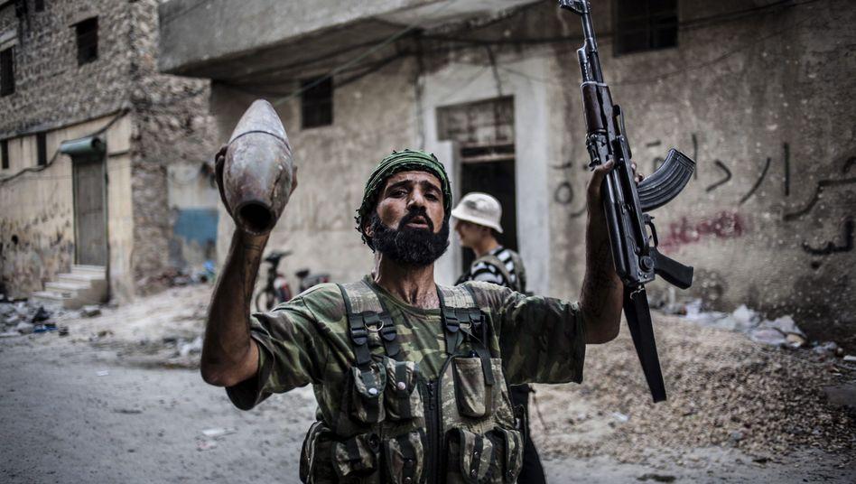 Kämpfer der Freien Syrischen Armee (Archiv): Schon seit 2012 will Obama die Rebellen gemeinsam mit der Türkei unterstützen.