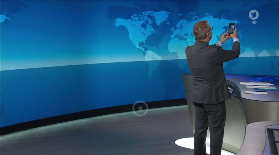"""Jan Hofer in den letzten """"Tagesschau""""-Sekunden"""
