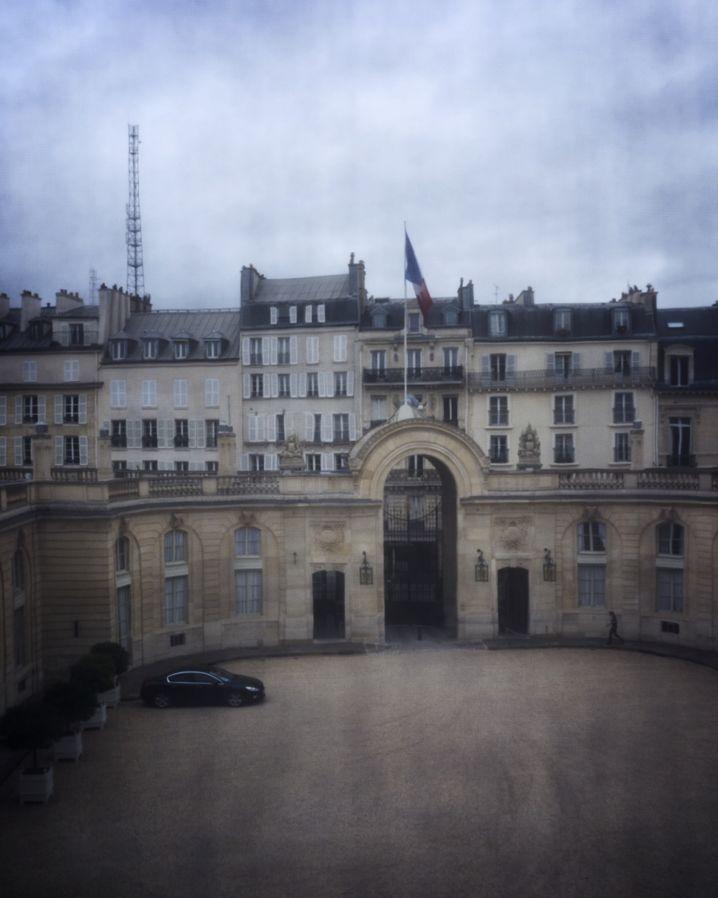 """Ehrenhof des Élysée-Palasts: """"Wir haben alles leichter, modernen gemacht"""""""
